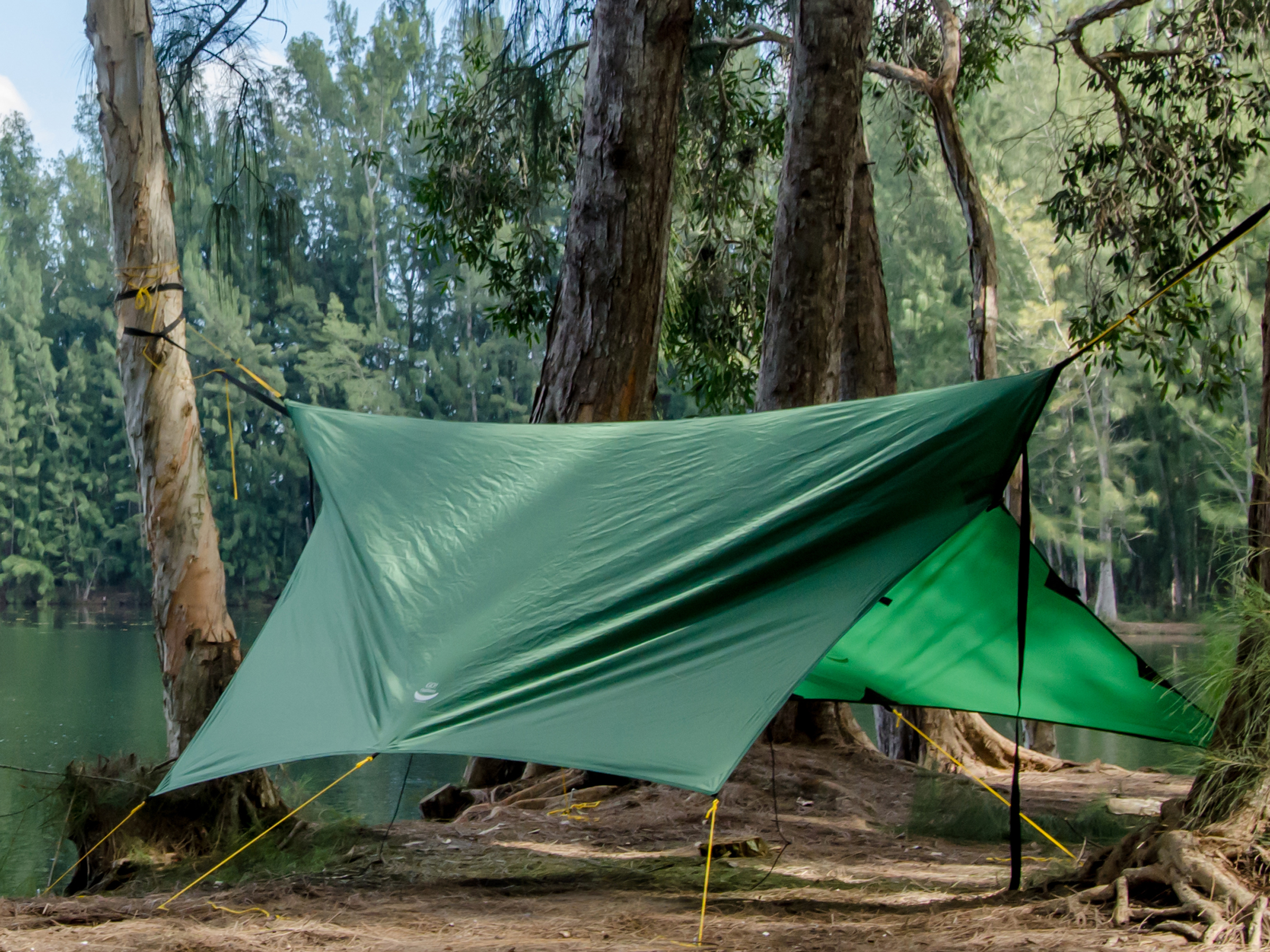 Video 16X 9 Tarp Camping-1-7 project photo