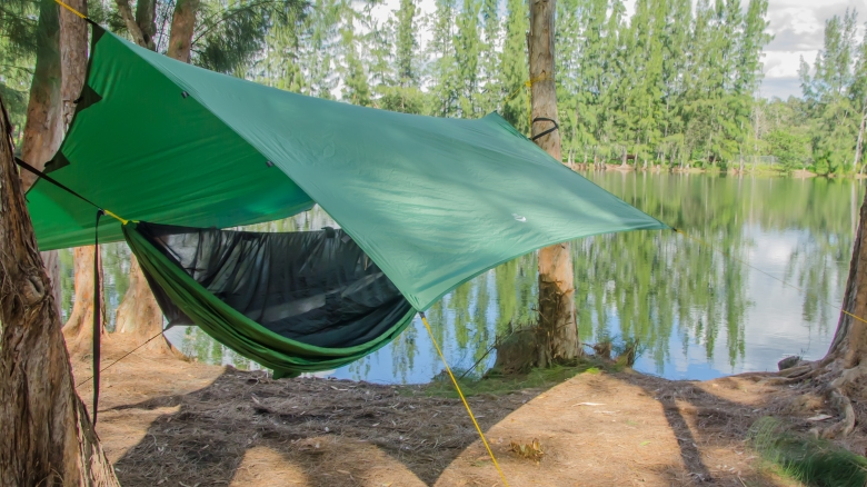 Video 16X 9 Tarp Camping-1-8